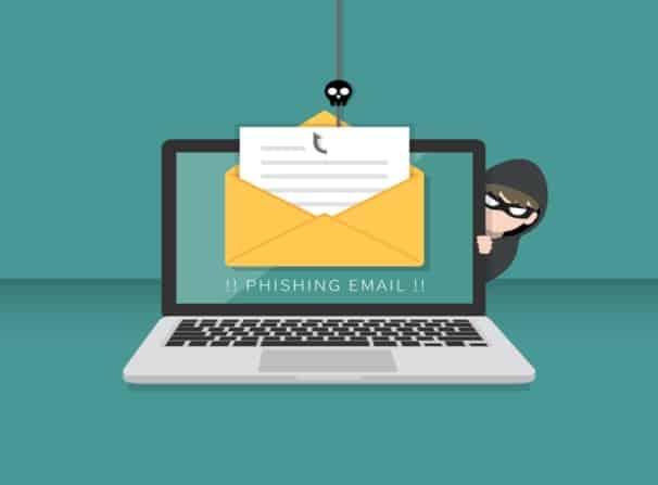 فیشینگ با استفاده از ایمیل جعلی