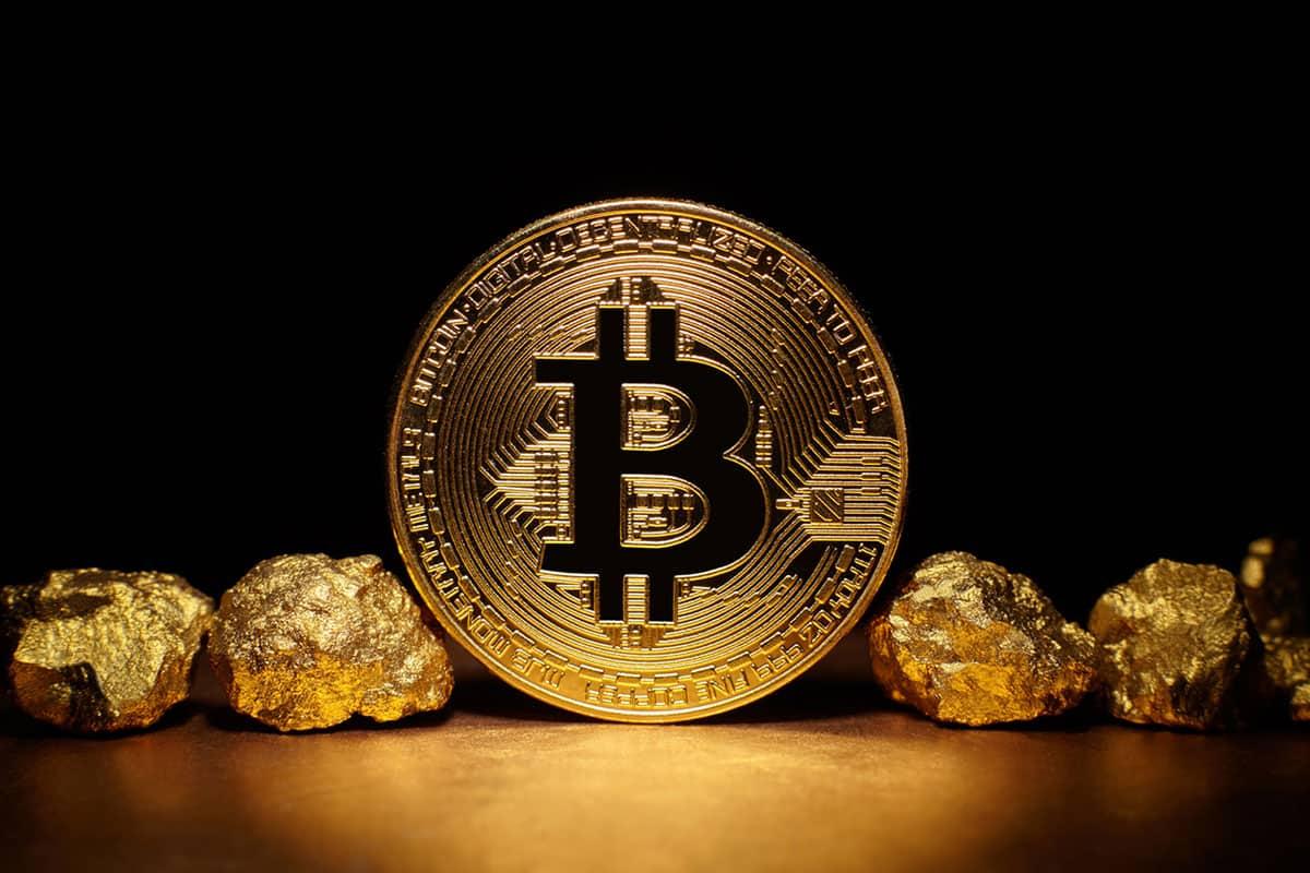 بیت کوین بخریم یا طلا؟ مقایسه طلای فیزیکی و طلای دیجیتال